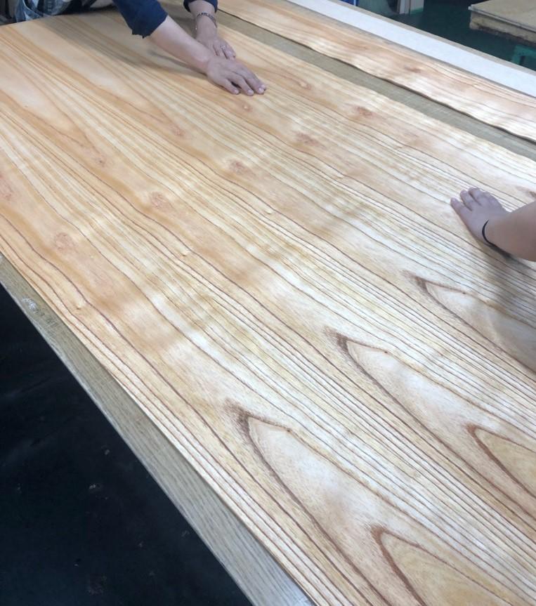 センダン板目の貼り加工